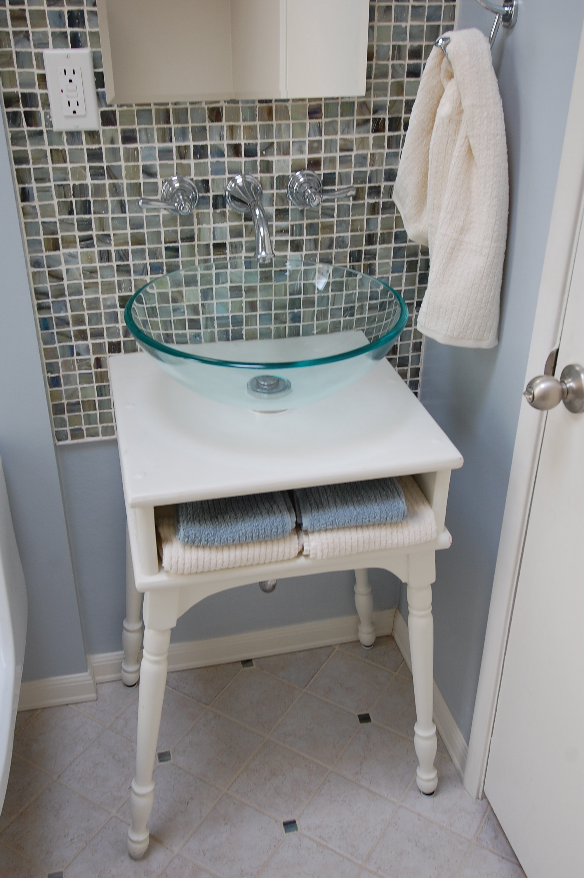 White Cottage Style Bathroom Vanities